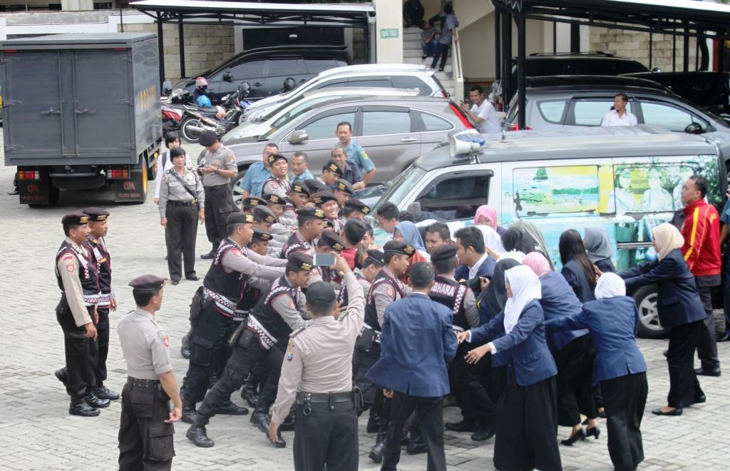 Demo di Pengadilan Negeri Jember