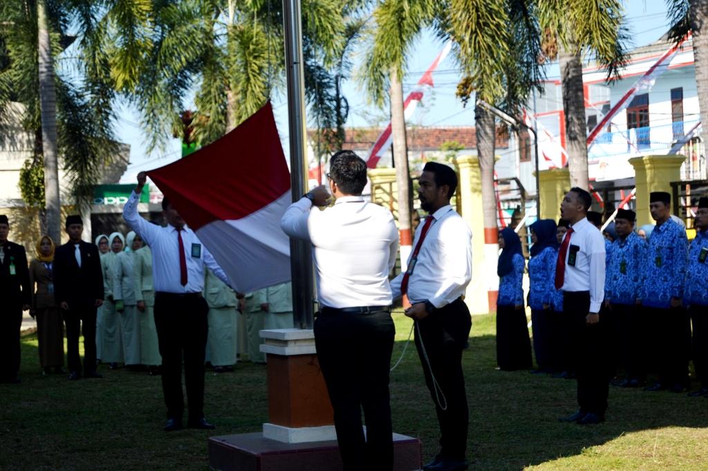Upacara HUT Republik Indonesia Ke 74 di Kantor Pengadilan Negeri Jember