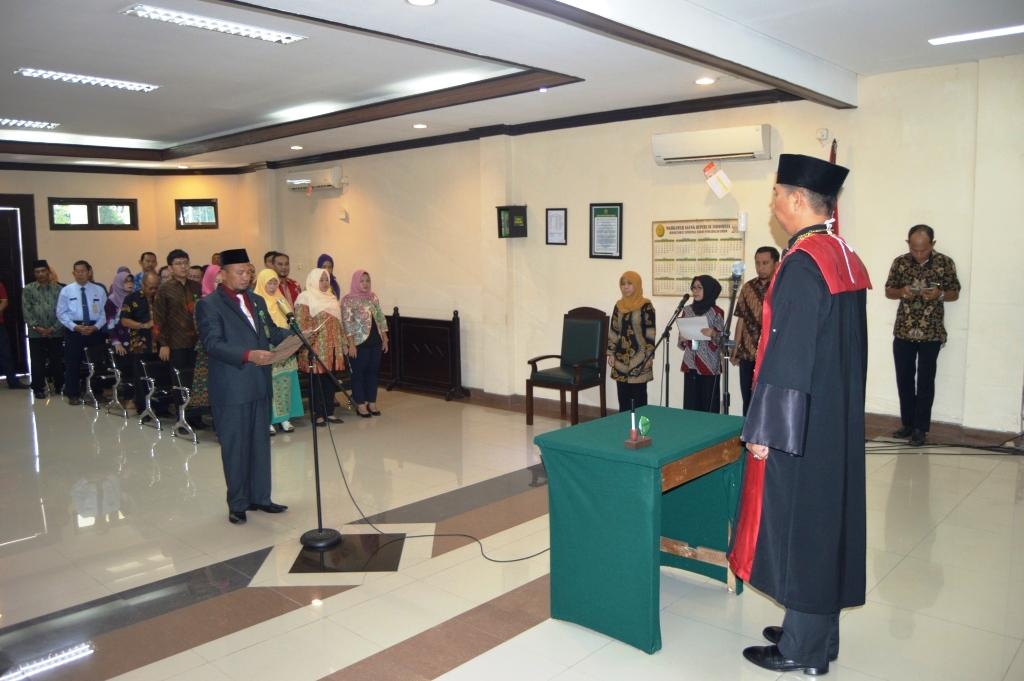 Pelantikan Bpk H Suharis, SH.,MM sebagai Panitera Pengadilan Negeri Jember
