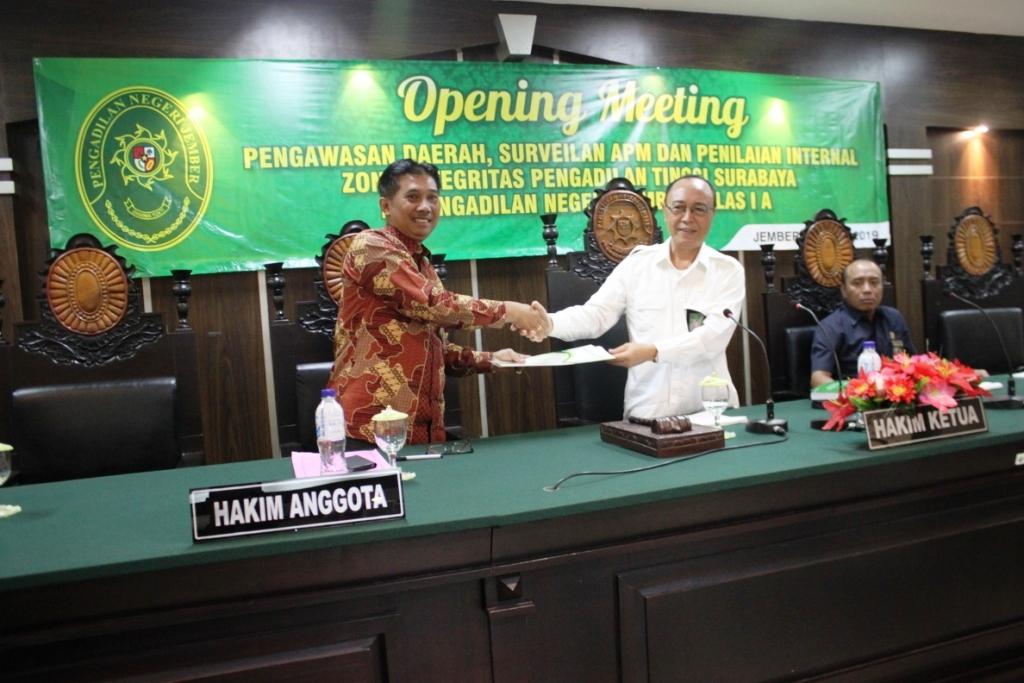 Opening Meeting Pengawasan Daerah, Surveilan APM dan Penilaian Internal Zona Integritas Pengadilan Tinggi Surabaya di Pengadilan Negeri Jember